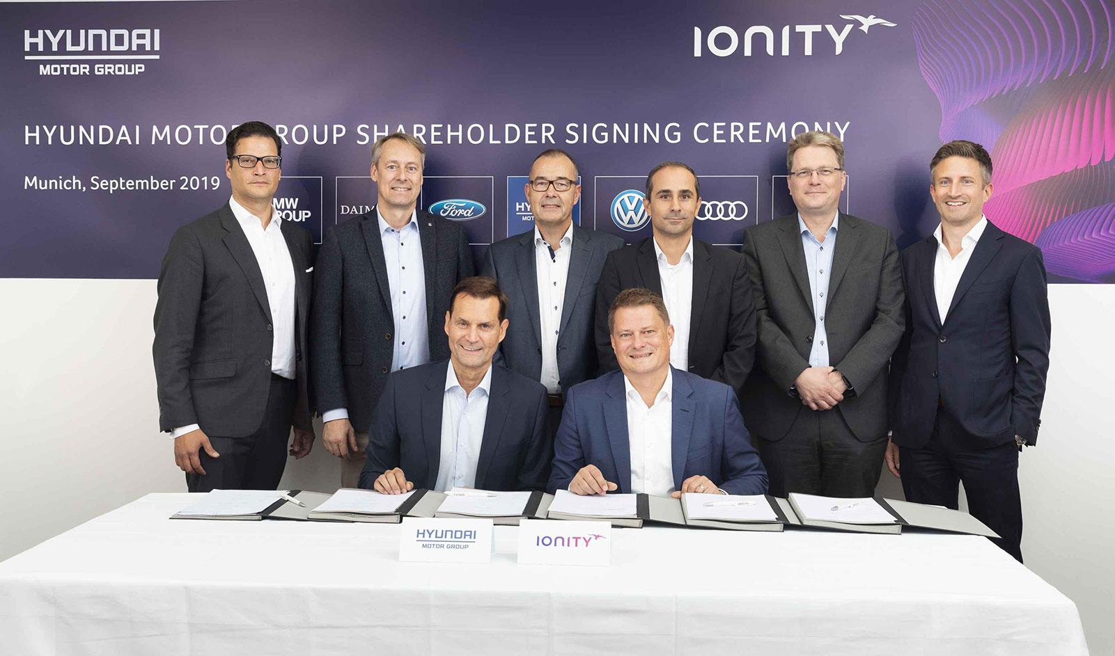 Kia investiert in Ionity, Vertragsunterzeichnung